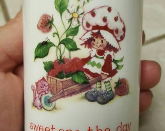 Small Strawberry Shortcake vase