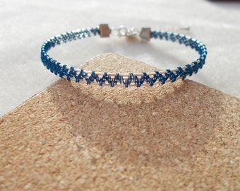 Blue bracelet , wire bracelet , wire jewelry , wire wrapped jewelry , wire wrapped bracelet , blue jewely , blue wire bracelet ,wire wrapped