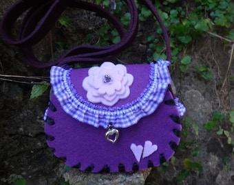 A small bags for the fall, purple pink pink, for the Dirndl or costume.