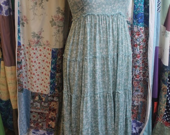 Long floral dress with lace detail  ref 436