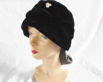 Clearance 50's 60's Vintage Black Velvet Cloche Hat with Faux Pearl Accents XXL