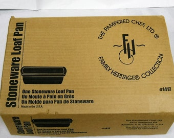 Pampered Chef USA Made... Loaf Pan in Original Box #1417