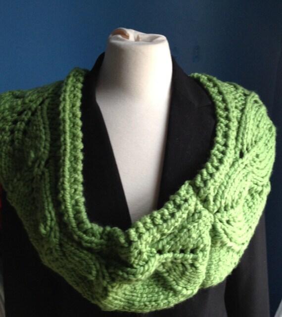 Vite Cowl Knitting Pattern : Chunky green cowl handmade cowl knitted cowl vite cowl
