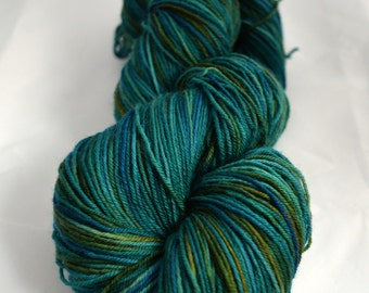 Hand Dyed Yarn - 100% Superwash Bluefaced Leicester - 100 Grams (3.5 oz) - 400 Metres (437 yds) - Sockweight - Lagoon