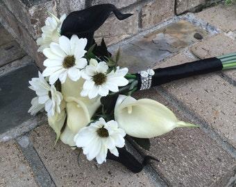 Ivory & Black Bouquet, Throw bouquet, toss bouquet, ivory bouquet, quinceanera bouquet, Calla bouquet, Calla Lily Bouquet