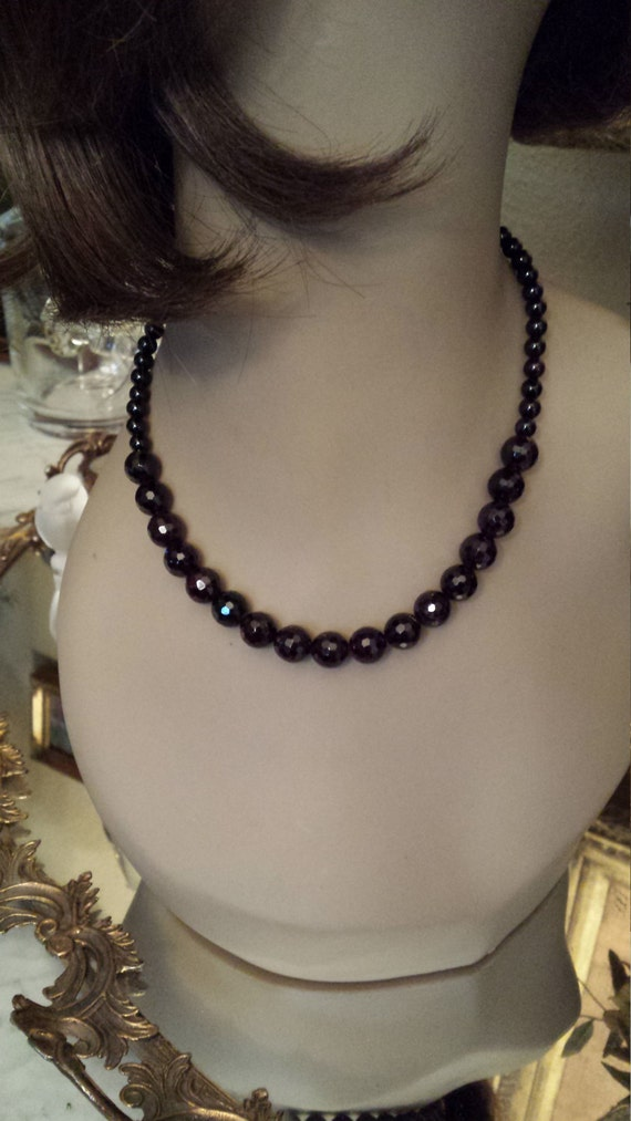Faceted 10mm faceted garnet one strand necklace