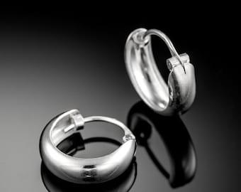VALENTINE SALE Sterling Silver huggie hoop earrings. silver earrings. huggie hoops. silver hoop earrings. silver hoops. sterling silver hoop