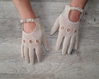vintage beige suede driving gloves