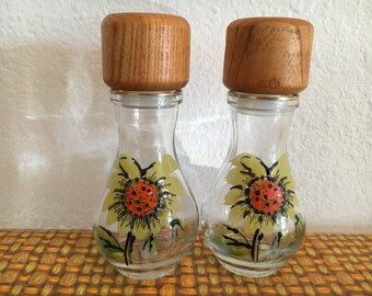 Vintage Glass Sunflower Salt and Pepper Shakers with Wood Lids