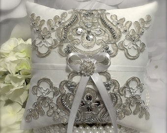 ring pillow/ring bearer/ring bearer pillow/silver ring pillow/silver wedding & Ring pillow ideas   Etsy pillowsntoast.com