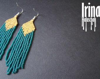 Beaded earrings, seed bead earrings, modern earrings, boho earrings, fringe earrings, beadwork jewelry, emerald and gold, tribal earrings