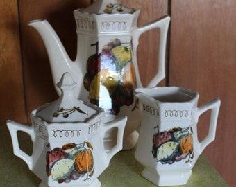 Bennington Square Tea Set