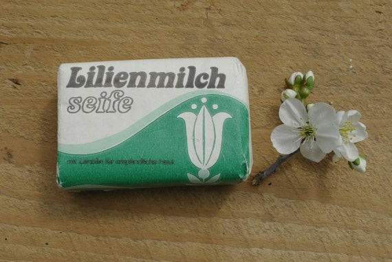 Vintage ddr soap bar german soap lilienmilch vintage soap for German made bathroom accessories