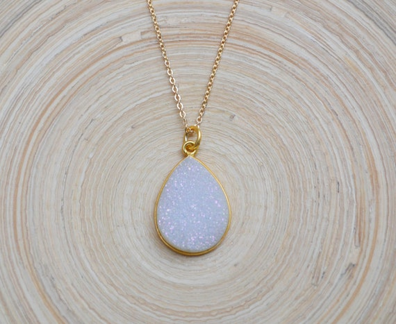 Teardrop Druzy Necklace, Teardrop Druzy Pendant, Gold Druzy Necklace, White Teardrop Druzy Pendant, Druzy Layer Necklace