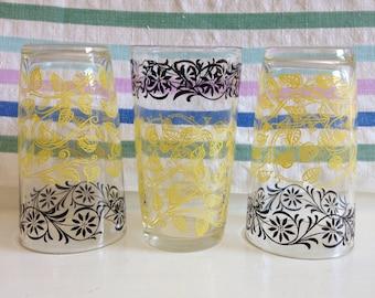 Vintage black and yellow swanky swigs, vintage black and yellow floral juice glasses, vintage barware, vintage glasses