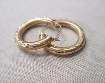 14K YELLOW Gold Hoop Earrings with Crisscross design