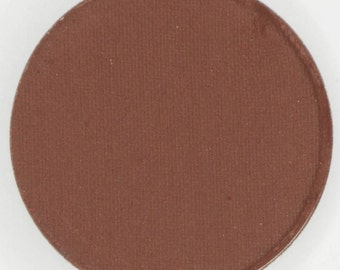 Chocolate,  26 mm pressed matte, highly pigments and so creamy