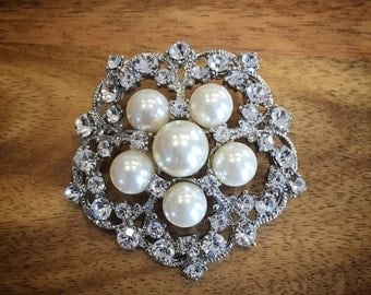 """Pearl """"lacey"""" brooch"""