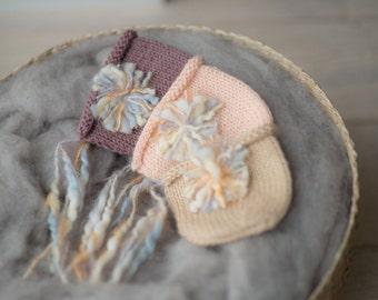 Newborn Bonnet , Newborn Photography Outfit , Newborn Photo Props , Flower accent Bonnet , Newborn Girls Photography , Felt Photo Props Hats