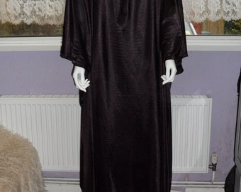 """Plus Size/Super Size/ Bariatric Kaftan with flared sleeves and tie neck. Size 100""""+ Hips"""