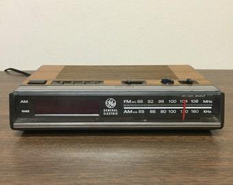 General Electric Electronic Digital FM/AM Clock Radio