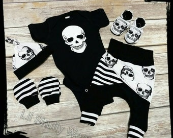 Newborn Coming Home Outfit, Newborn Outfit, Baby Skull, Baby Pirate, Baby Hospital Outfit, Take Home outfit, Skull Baby, Baby Boy, Skull,