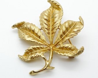 Sarah Coventry Gold Tone Leaf Design Brooch Vintage 1970s Signed