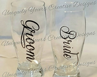 Bride and Groom Glasses, Pilsner Glass Set, Wedding Gift, Mr and Mrs Wedding Glasses, Personalized, Toasting Glasses, Wedding Accessories,
