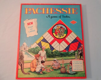 Warren Built-Rite Pacheesie 2 Ways To Play Board Game