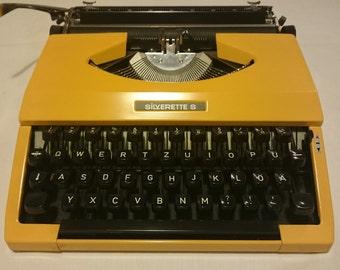 Vintage typewriter Silverette S, Typewritter made in Japan, Silverette