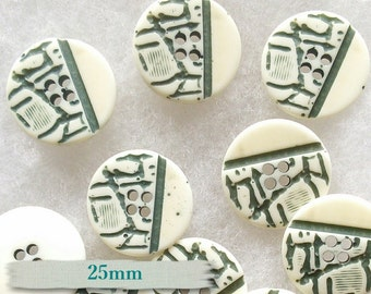 BM13, 3 buttons, 25mm, 2 holes, cream & green, vintage,