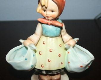 Hummel Figurine #175 -Mother's Daughter