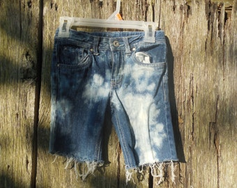 Size 5T Girls splatter and tie dyed Bleach distressed cut off denim jean shorts adjustable waist One of a kind pants