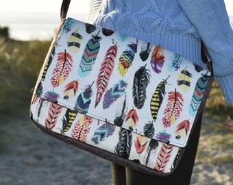Montreux Feathers Print Messenger Handbag