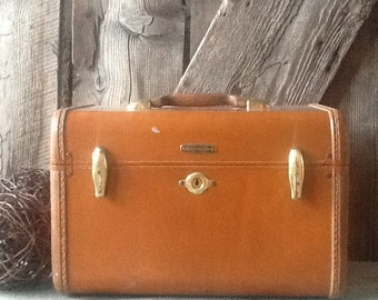 Vintage suitcase, samsonite, train case