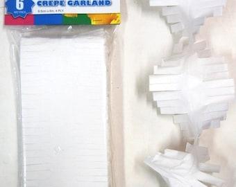 White Crepe Paper Fringe Garland, Photobooth Backdrop, Hanging Decoration, Party Decoration, Kids Party, Wedding Decoration