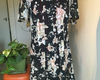 Floral 90s shift Tshirt dress