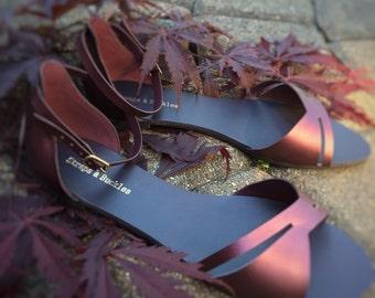 Womens sandals/Flat Sandals/Leather Sandals/Maroon Sandals/Golden Sandals/Summer Sandals/Feminine Sandals/Strapsandbuckles
