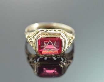 14K Engraved Red Glass Filigree Ring - Size 5.5 / White Gold
