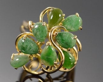 14K Green Jade Cluster Ring Size 7.5 Yellow Gold