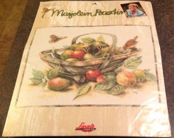 Marjolein Bastin Lanarte Summerfruit Counted Cross Stitch Kit 28 Count Evenweave 115605  14 5/8 x 9 1/2
