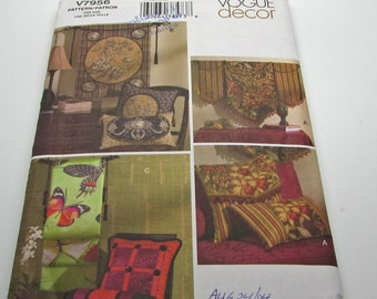 Vogue Decor V 7956 Sewing Pattern Wall Hangings Pillow Covers Square Pillow Cover Neckroll Pillow Cover Square Oblong Envelope Uncut FF