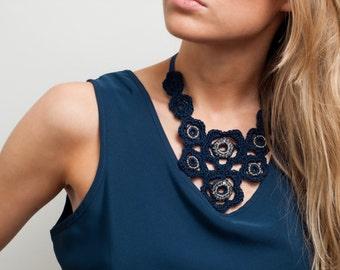 Navy bib necklace / Flower necklace / Statement necklace / 1960's / Crochet jewelry / Navy lace necklace / Beaded necklace / Fashion jewelry