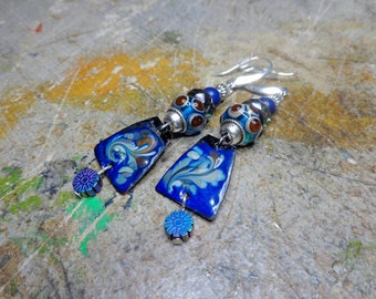 Bohemian earrings, enamelled copper, torch, glass of Bohemia, lapis lazuli and hematite beads.
