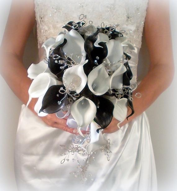 Ramo de alcatraz blanco y negro flores de por myfairytaleflowers