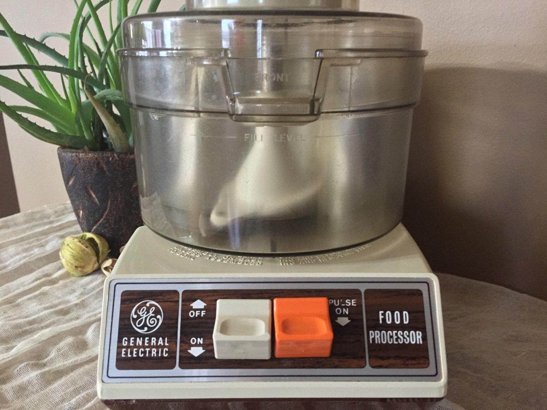 Electric Food Processor ~ Vintage working general electric food processor