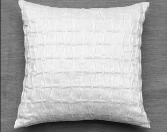 White Throw Pillows,White Decorative Pillows,Textured Pillow,Sofa Pillows,Neutral Pillows,Modern Pillow Covers,Bed Pillows,Luxury Pillows