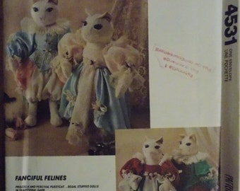 sale Sewing pattern McCall's Crafts 4531 Elizabethian cat and wardrobe new uncut