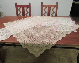 Vintage Accent Tablecloth and Doilies