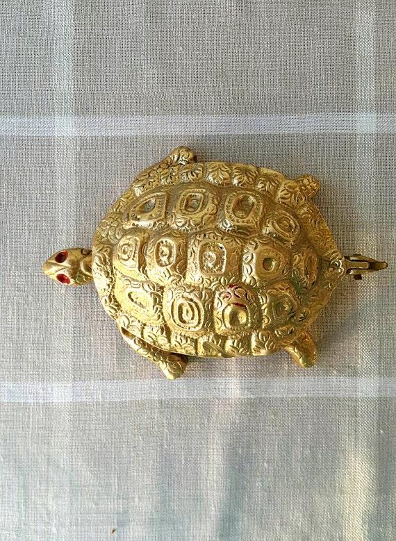 Vintage brass turtle ashtray Solid brass tortoise ornament Gold tone brass home decor Decorative ashtray Brass trinket box Turtle figurine
